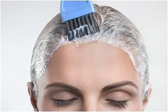 07319_-_brush_applying_hair_color_in_hair_344px.jpg